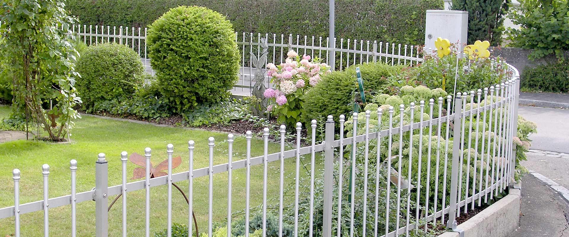 Aluminium Gartenzaun von Seiler Zaundesign für Kurven