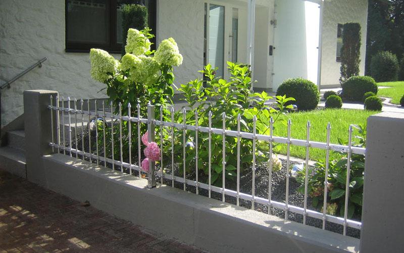 Gartenzaun günstig bauen