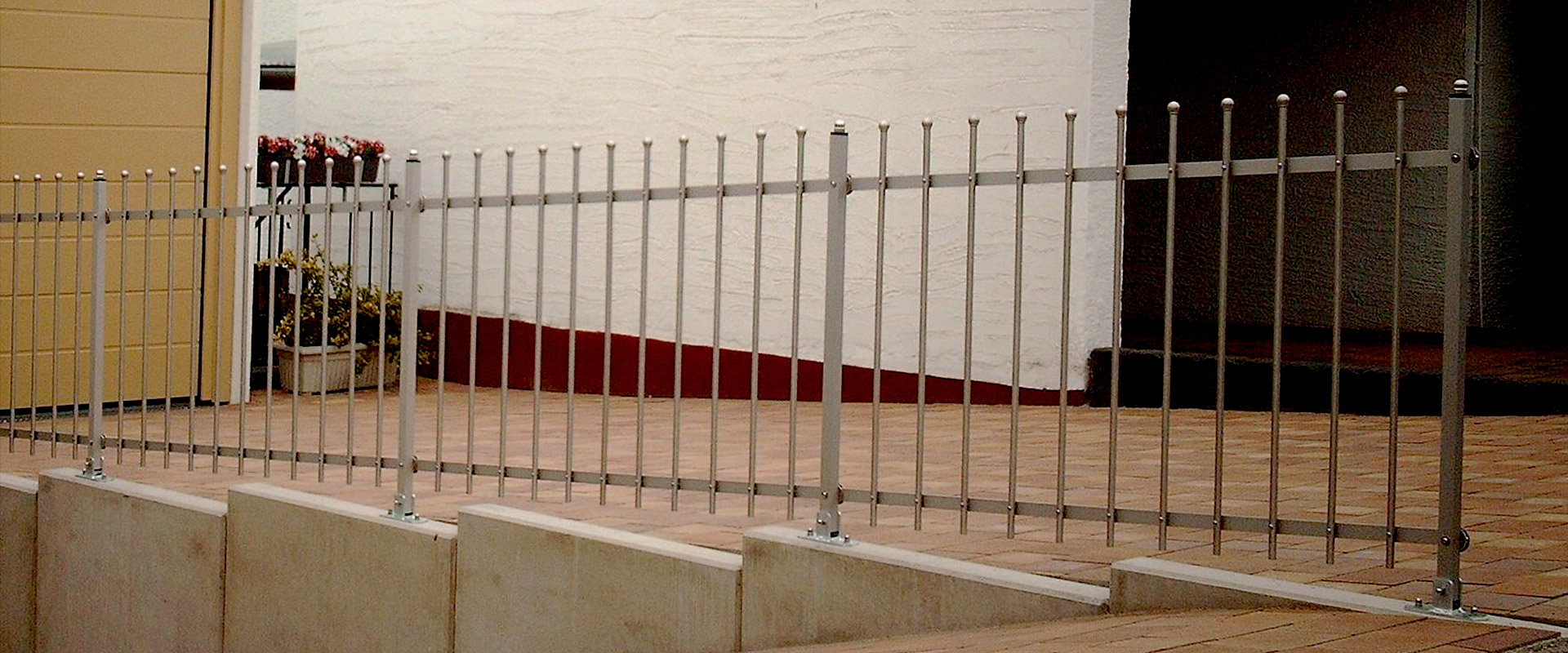 Zaun Brillant Edelstahl - Fertige Zaunmodelle - Seiler Zaundesign