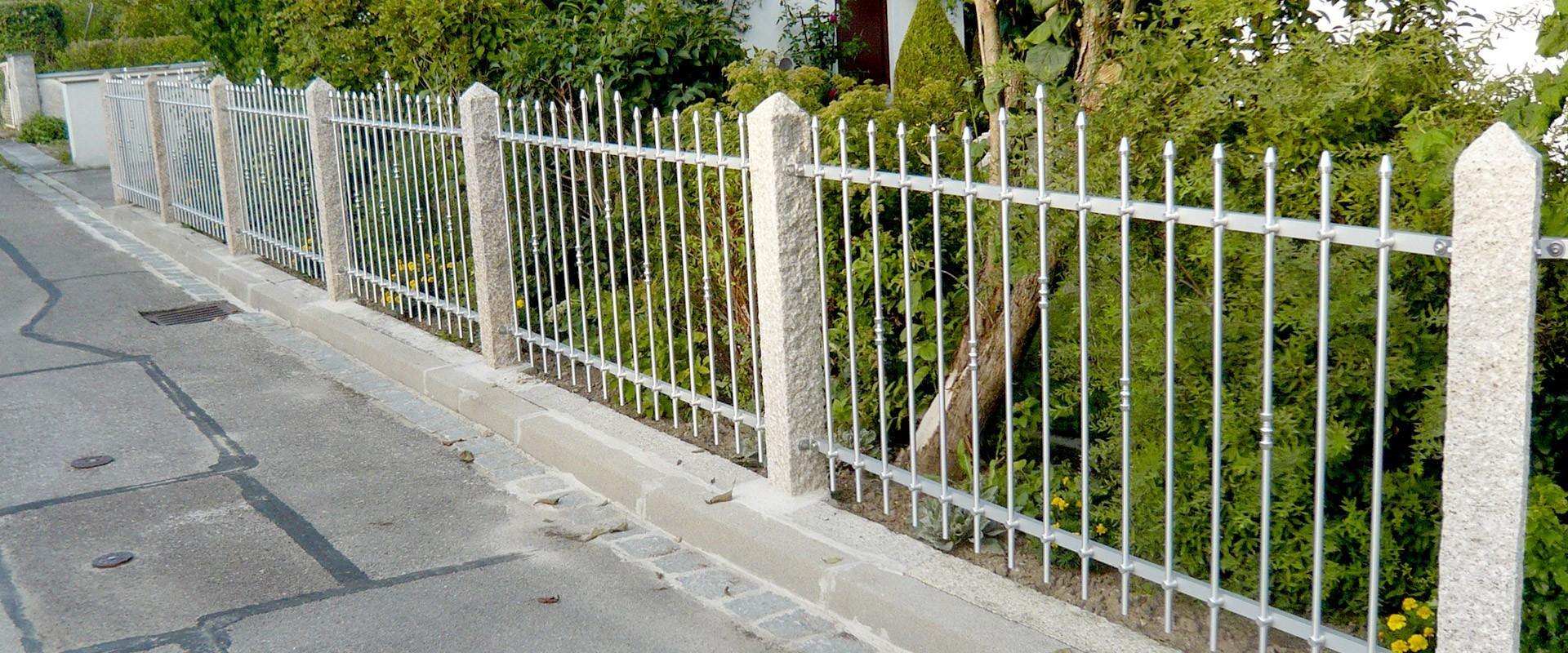 Metallzaun Granitsäule - Zaunelemente Granitpalisaden