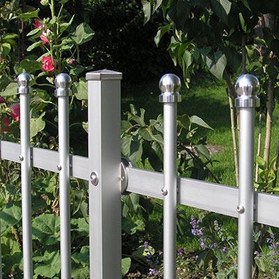 guenstige Zaeune aus Metall - Gartenzaun Metall